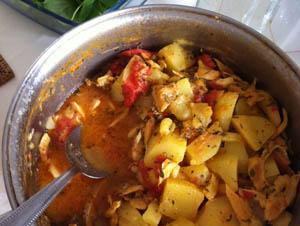 Batatas guisadas com bacalhau