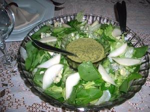 Salada verde peras roquefort e molho mostarda